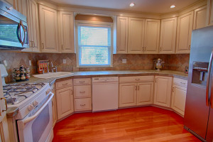 202 Garry St Manville NJ kitchen