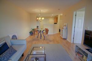 68 Potomac Dr Basking Ridge Spring Ridge NJ Feel @Home Realty  (5)